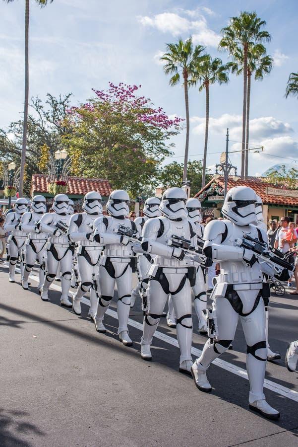 Гвардейцы шторма Звездных войн на студиях ` s Голливуда Дисней стоковые фото