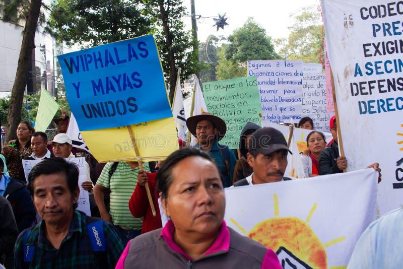 Гватемальская политическая организация протестует против изгнания Эво Моралеса и положения в Боливии стоковая фотография