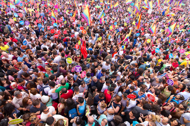 Гей-парад Стамбула LGBT стоковые изображения