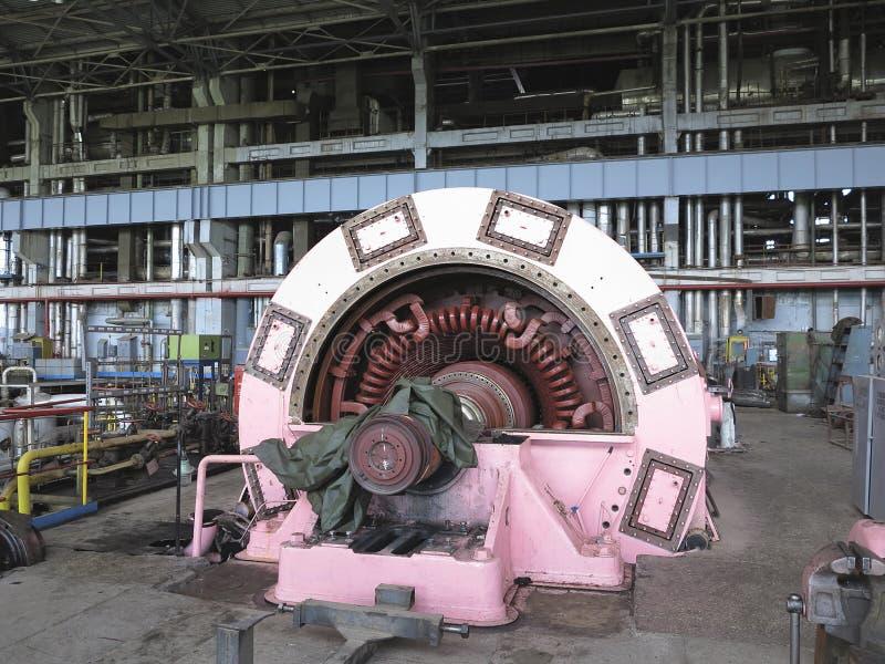 Генератор и паровая турбина электричества во время ремонта стоковая фотография rf