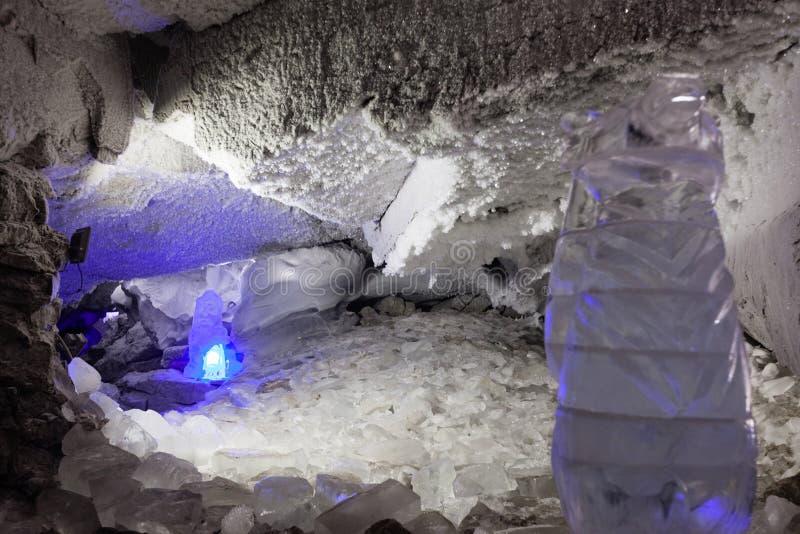 Гениальный грот в пещере льда Kungur стоковые изображения