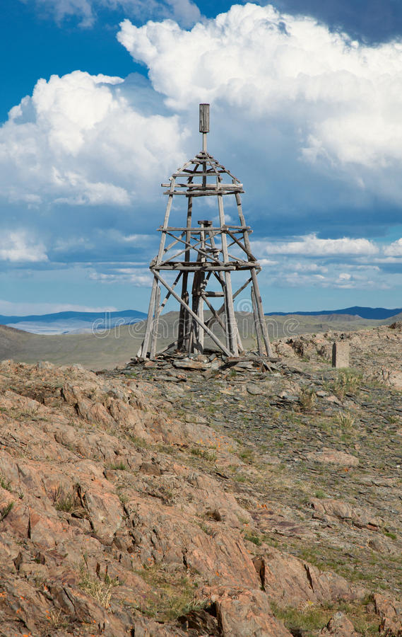 геодезическая башня деревянная стоковое фото rf