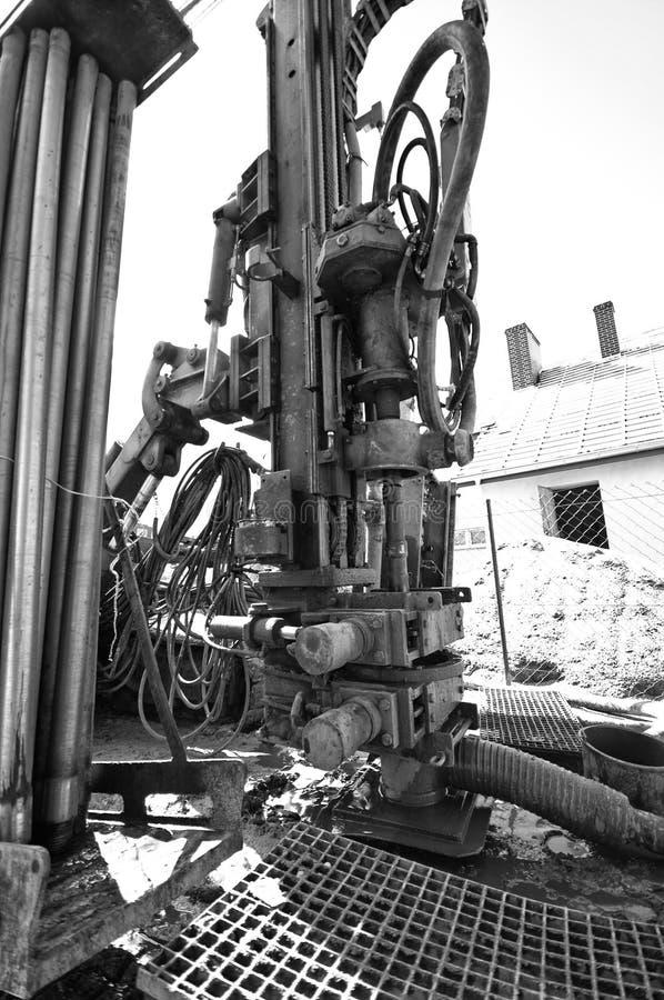 Геотермическая сверля машина черно-белая стоковое фото
