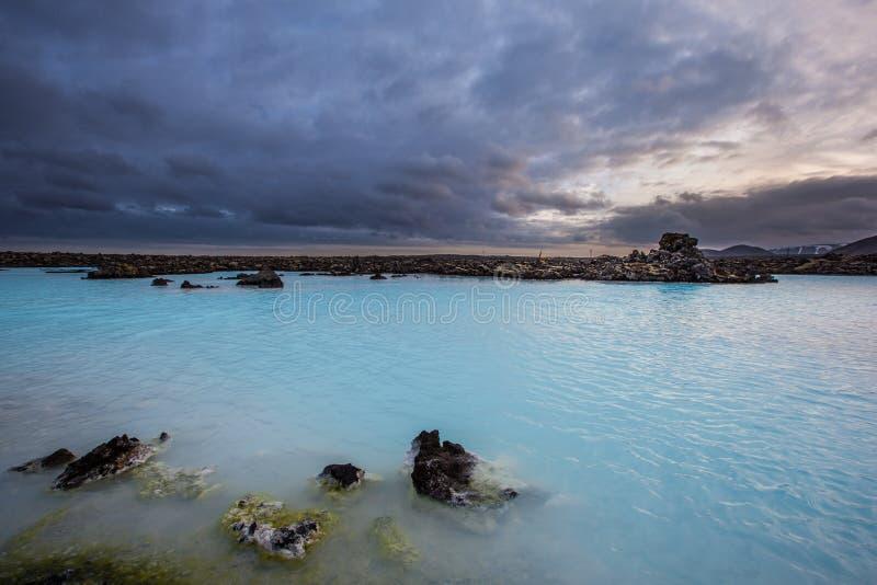 Геотермический бассейн в голубой лагуне в Исландии стоковое фото