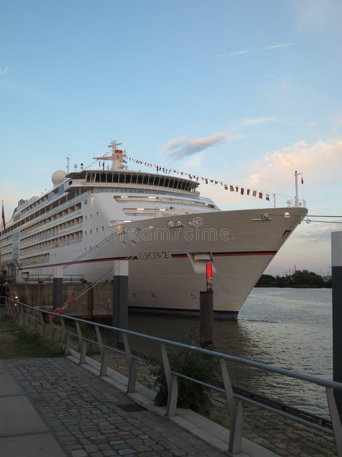 Германия hamburg elbe Корабль Взгляд побережья стоковые изображения rf