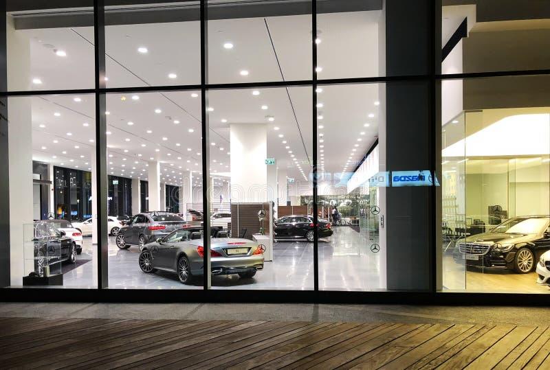 ГЕРЦЛИЯ, ИЗРАИЛЬ 7-ОЕ ДЕКАБРЯ 2017: Мерседес-Benz производитель автомобилей и разделение немецкое Daimler AG компании стоковое изображение