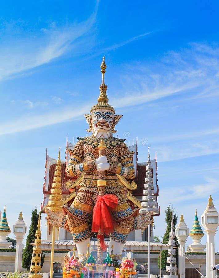 гигантская статуя тайская стоковое фото rf