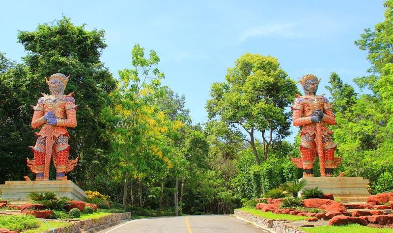 гигантская статуя стоковые фото