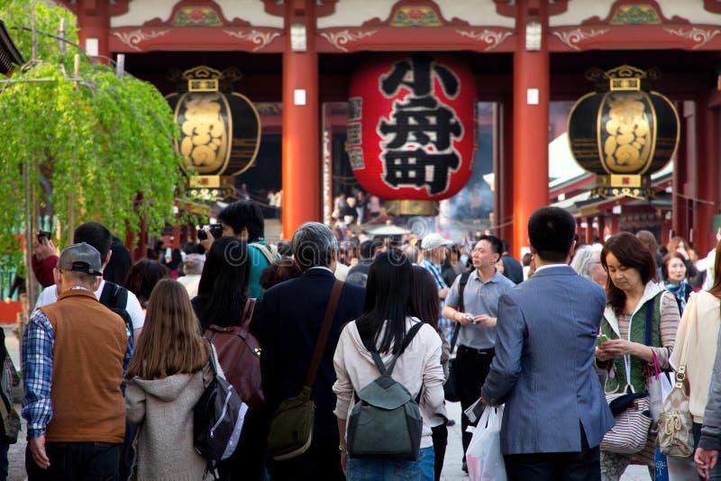 Гигантский красный фонарик в виске Senso-ji стоковое изображение