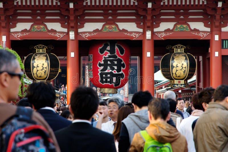 Гигантский красный фонарик в виске Senso-ji стоковые изображения rf