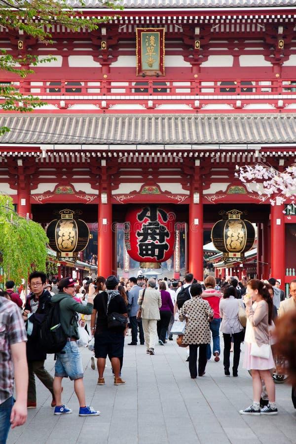 Гигантский красный фонарик в виске Senso-ji стоковое фото rf