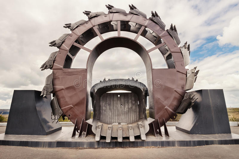 Гигантский экскаватор в угольной шахте открыт-бросания стоковое фото rf