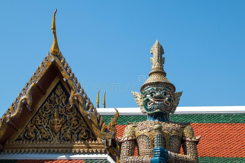 Гигант в виске изумрудного kaew pha Будды Wat стоковая фотография