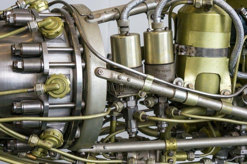 Гидравлические трубопроводы золота серебра стороны Ракеты Jumbled совместно космический корабль стоковое изображение rf
