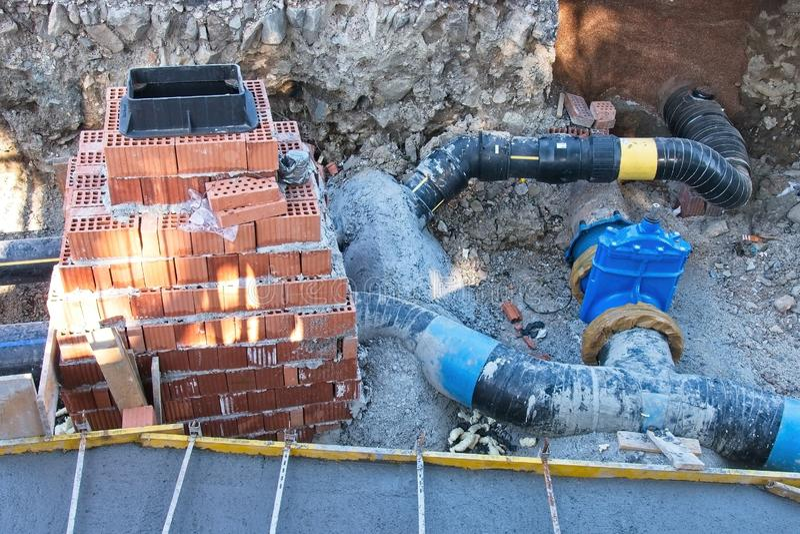 Гидростроительные работы, реконструкция канализации стоковые изображения rf