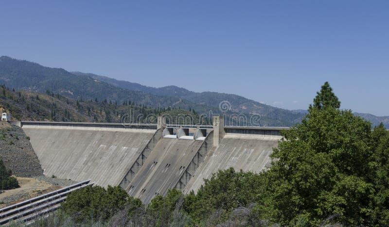 Гидроэлектрическая запруда, США стоковая фотография