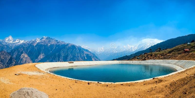 Гималайское озеро стоковая фотография rf