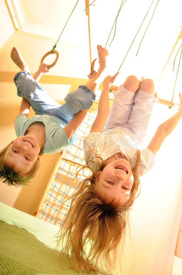 гимнастика потехи детей имея стоковая фотография rf