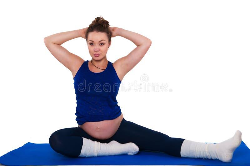 Гимнастика для беременных женщин стоковое изображение rf
