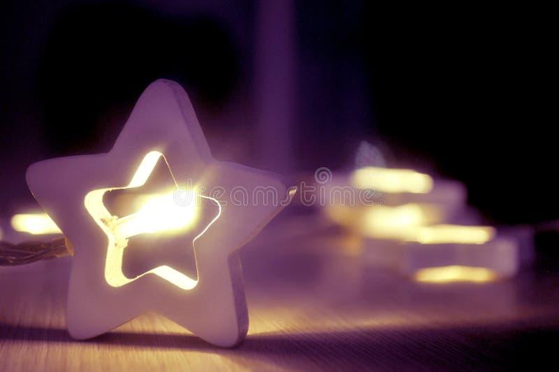 Гирлянда предпосылки звезд стоковые фотографии rf
