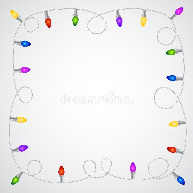 Гирлянда рождества с цветастыми электрическими лампочками бесплатная иллюстрация