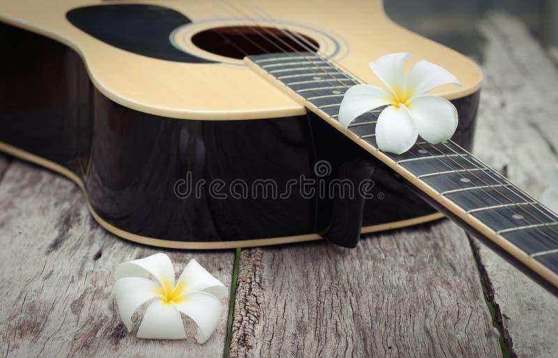 гитара старая стоковые фотографии rf