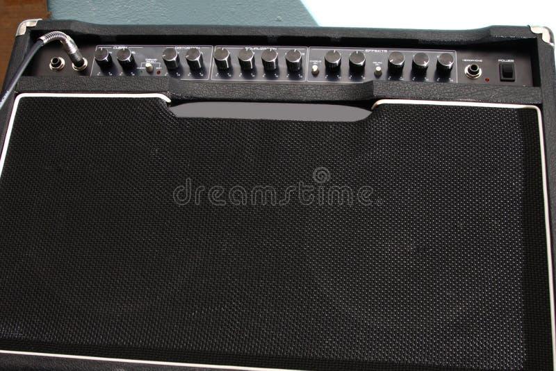 гитара усилителя черная стоковые изображения