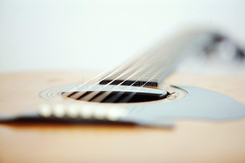 Download гитара стоковое фото. изображение насчитывающей нот, древесина - 483100