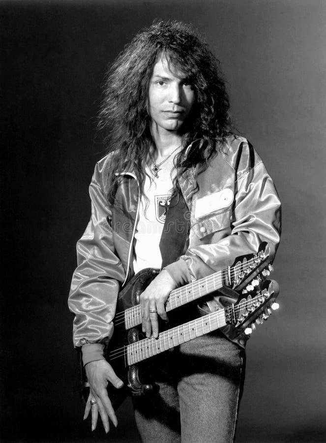 Гитарист руководства Doug Блэр w A S P в моей студии Эриком l Фотография Джонсона стоковая фотография rf