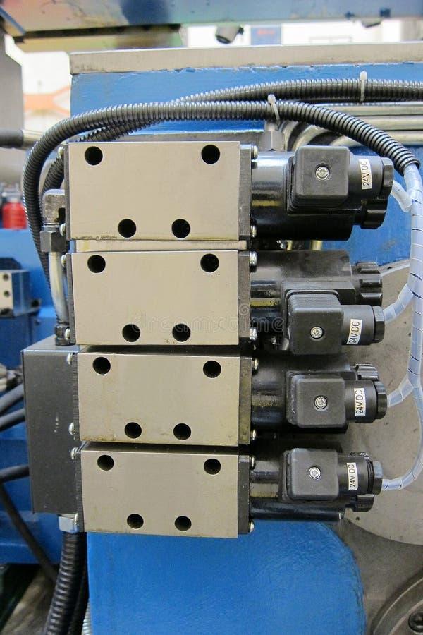 гидровлические клапаны соленоида стоковое фото rf