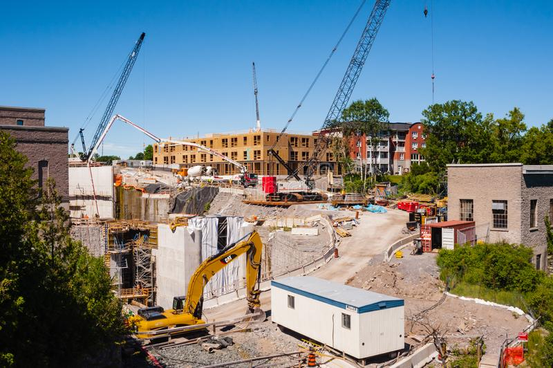 Главная конструкция на гидроэлектрической электростанции в Campbellford, Онтарио, Канаде стоковая фотография rf
