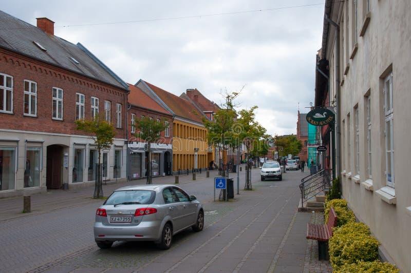 Главная улица в городке Soroe в Дании стоковые изображения rf