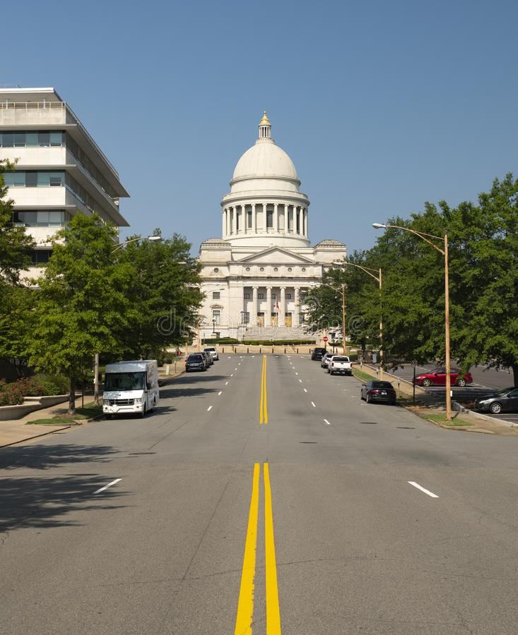 Главная улица здания капитолия положения меньший утес Арканзас США стоковые фотографии rf