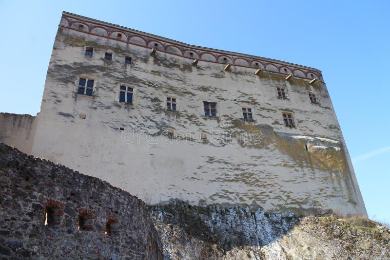 Главное здание замка Ãn  TrenÄ стоковая фотография rf