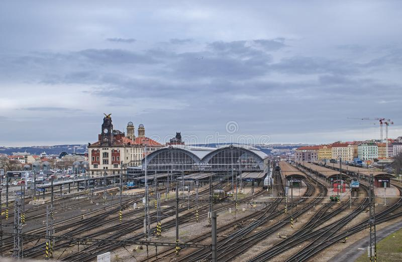 Главным образом железнодорожный вокзал в Праге, чехии стоковые изображения