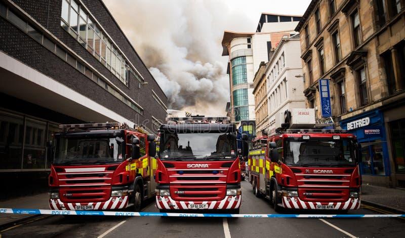 Глазго, Шотландия - Великобритания, 22-ое марта 2018: Крупный пожар в центре города Глазго на улице Sauchiehall в Глазго, объедин стоковое фото