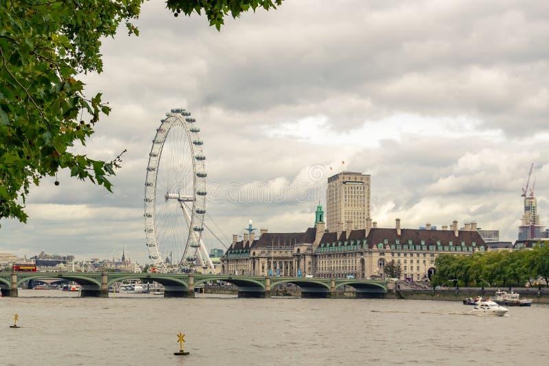 Глаз Лондона на пасмурный день в Лондоне, Великобритании стоковые изображения