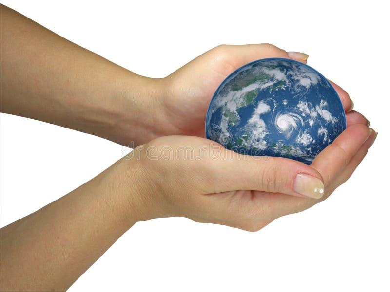 глобус земли вручает удерживанию людскую изолированную повелительницу стоковая фотография rf