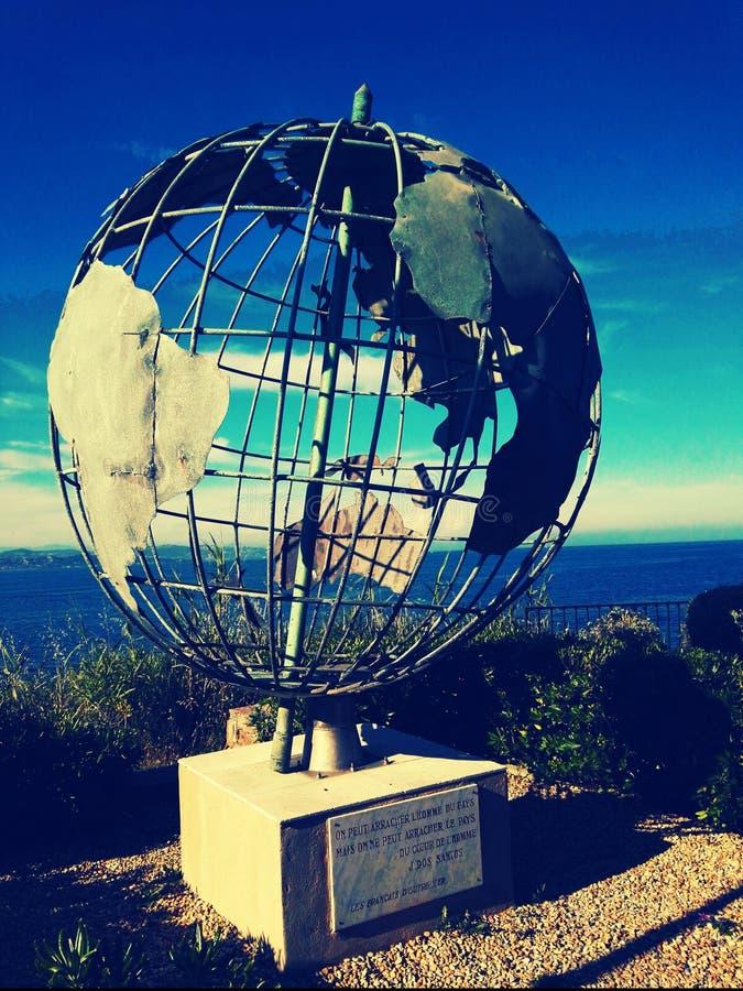 Глобус скульптуры стоковое изображение