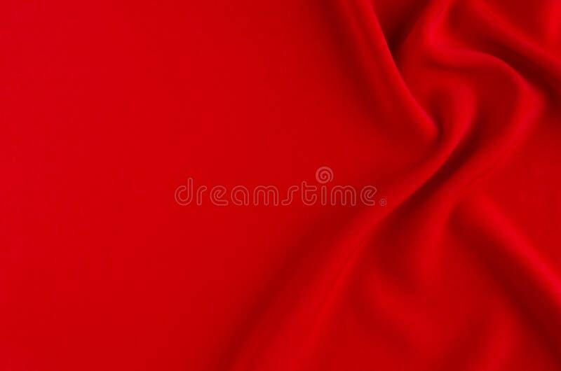 Глубоко - красная silk ровная предпосылка с космосом экземпляра Абстрактный фон влюбленности стоковая фотография rf