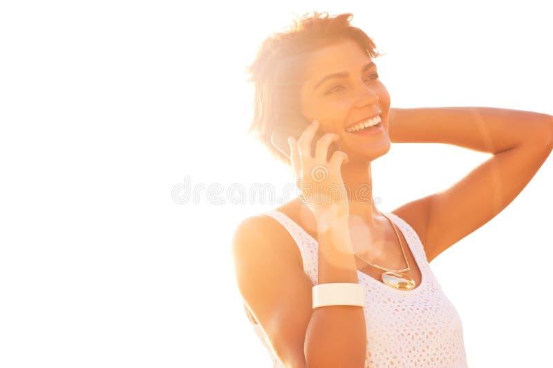 говорить сотового телефона стоковая фотография
