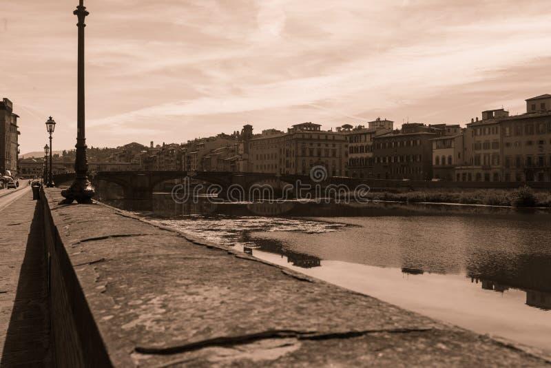 Год сбора винограда берега реки Флоренса стоковое фото