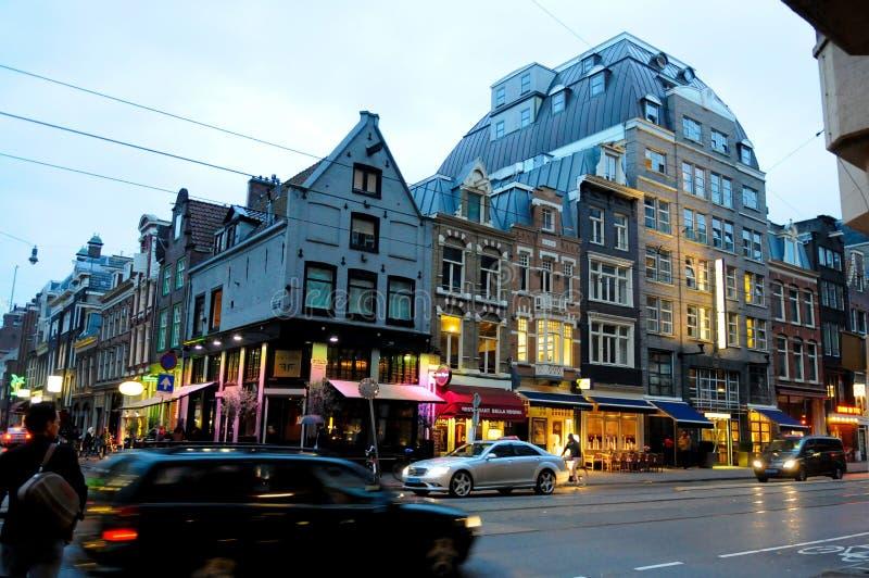 Голландская городская сцена, свет Utrecht Twilight, улицы Голландии и здания, перемещение Нидерланды стоковые фотографии rf