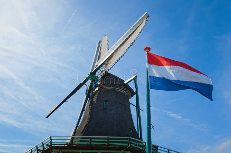 Голландские ветряные мельницы в Нидерландах закрыли видео стоковая фотография