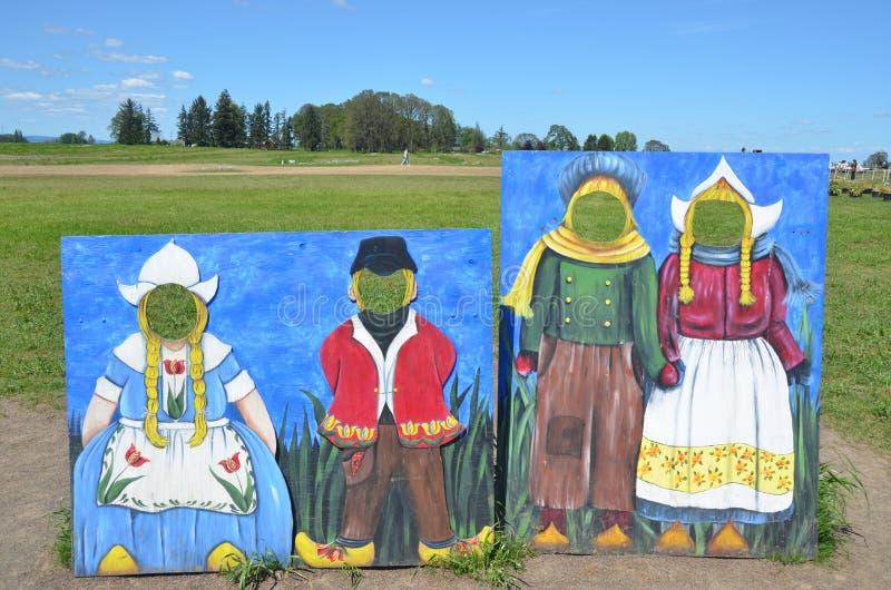 Голландские характеры на деревянной ферме тюльпана ботинка стоковое изображение