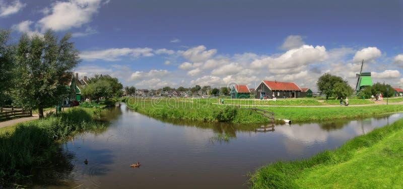 голландское село панорамы стоковые изображения
