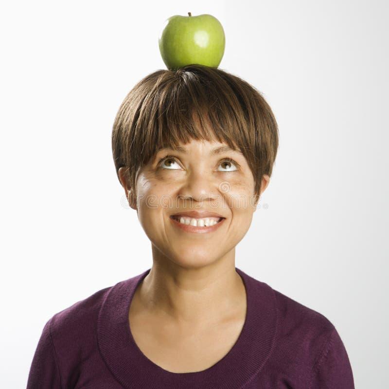 произошло яблоко на голове картинки десятый