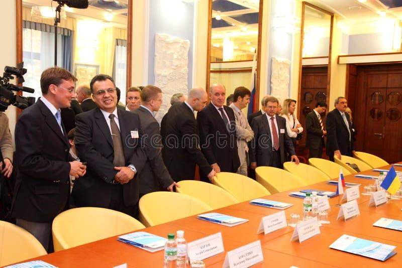 головки дел чужие встречая министерства стоковые изображения