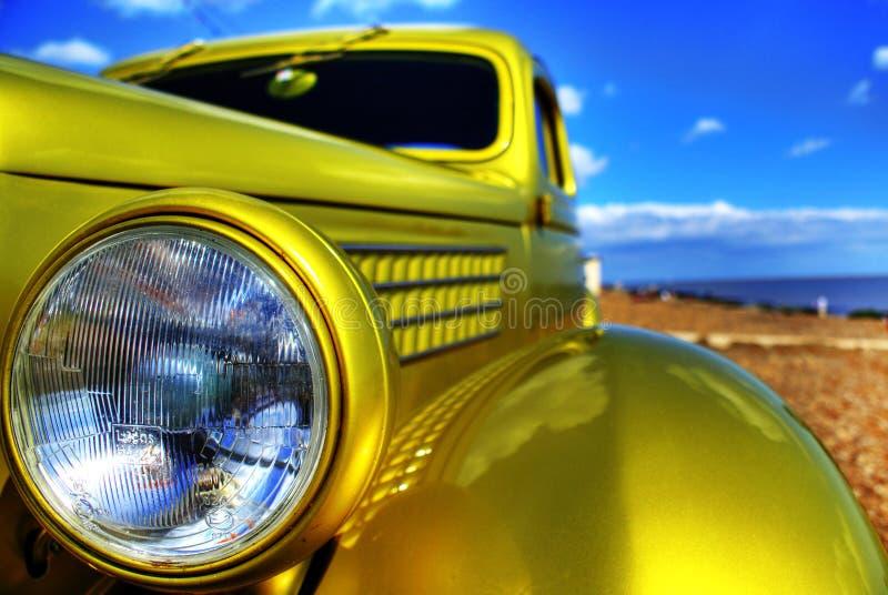 головная лампа классики автомобиля стоковое изображение