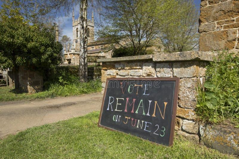 Голосование остается знаком для кампании Brexit референдума 23-ье июня 2016 европейской - южным Newington, Оксфордширом, Великобр стоковое фото